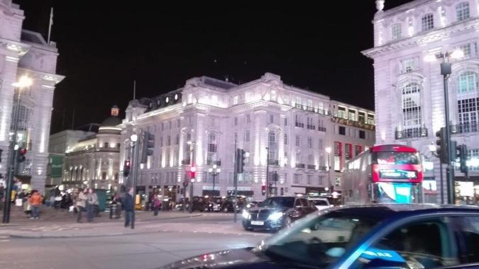 LONDRA: SOGGIORNARE A 25 EURO A NOTTE - Amare viaggiare low cost