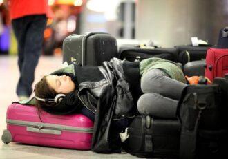 Come comportarsi con overbooking e cancellazione volo